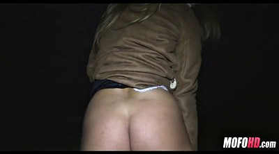 Paid, Outdoor blowjob